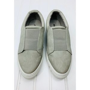 Soda • Gray Suede Slip On Sneakers • 6.5M